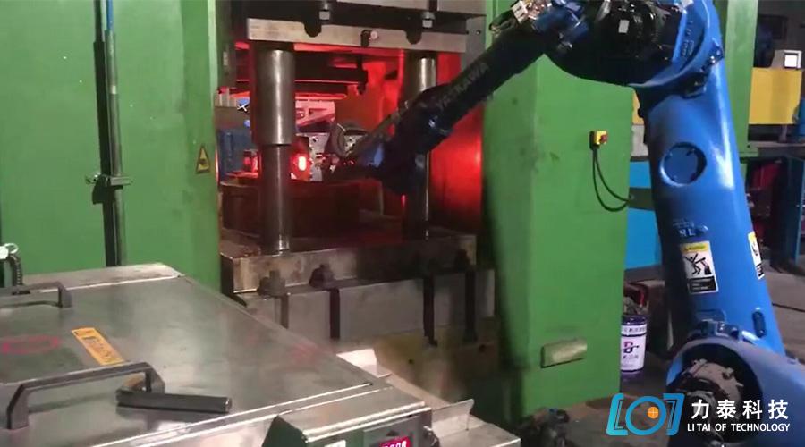 锻造工业机器人自动化