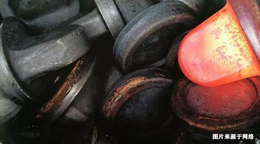 高压水除磷系统成为轧钢生产的重要组成部分