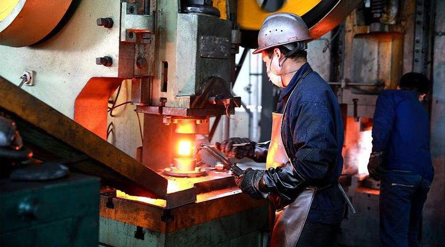 锻造扒皮机与锻造工业机器人对接效率震惊锻造工人