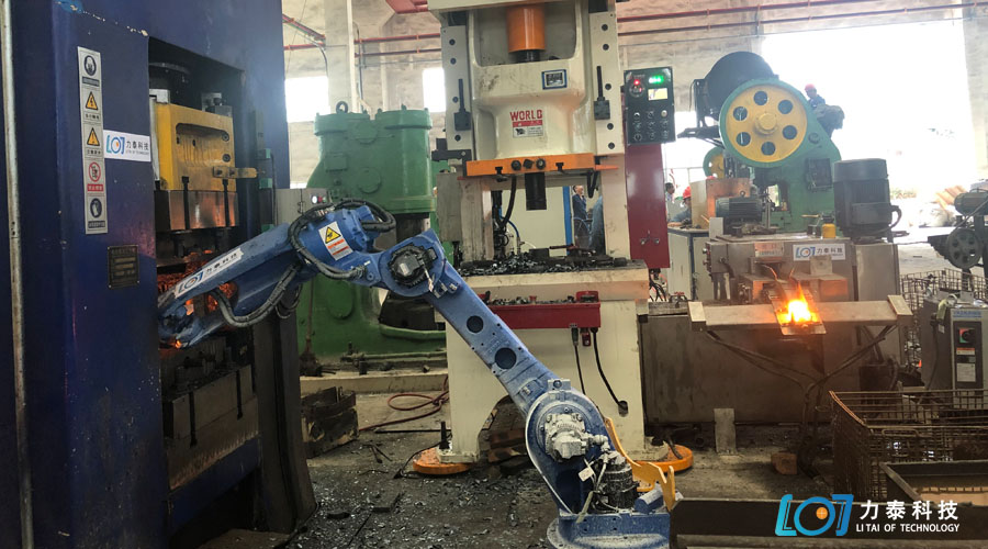 工业机器人帮锻造业降本增效