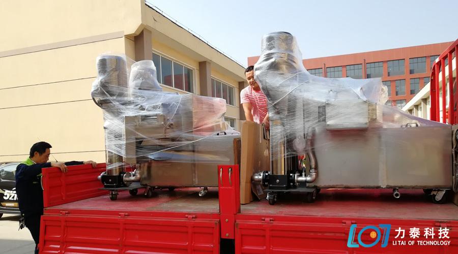 江苏中祥的两台双泵氧化皮清洗机准时发出