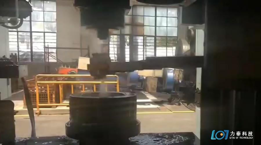 锻造厂为什么一定要用锻造喷石墨装置