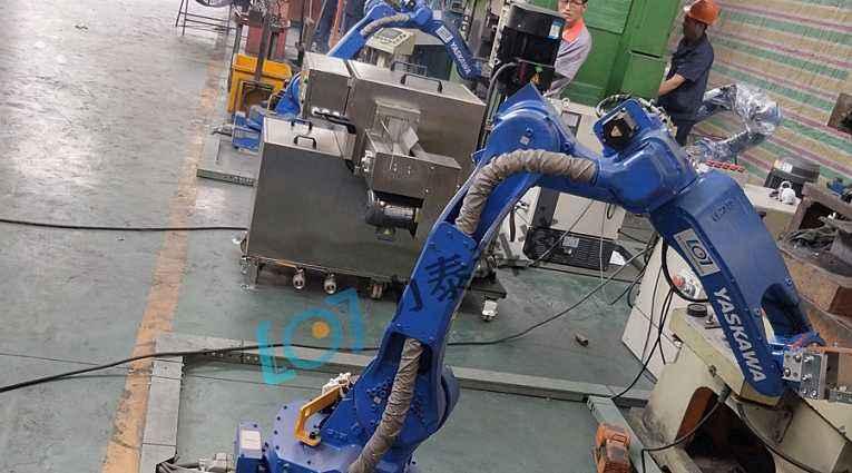 锻造工业机械手臂提升锻造生产线智能化水平
