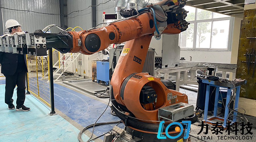 锻造工业机器人造就新时代王者